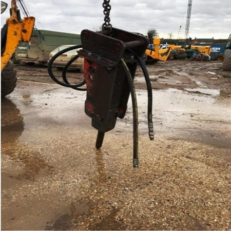 TAKEUCHI - TKB-301 Used Hydraulic Breaker for Sale,Gleneden