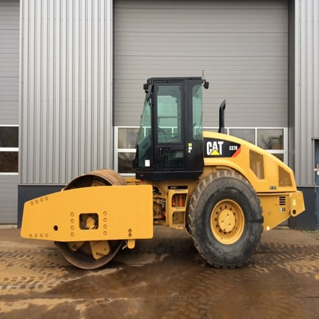 Used Caterpillar- CS76 Roller for Sale